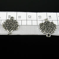 30 Pcs Antique Silver small  Tree of life pendant  jewelry supplies jewelry finding D-3-33