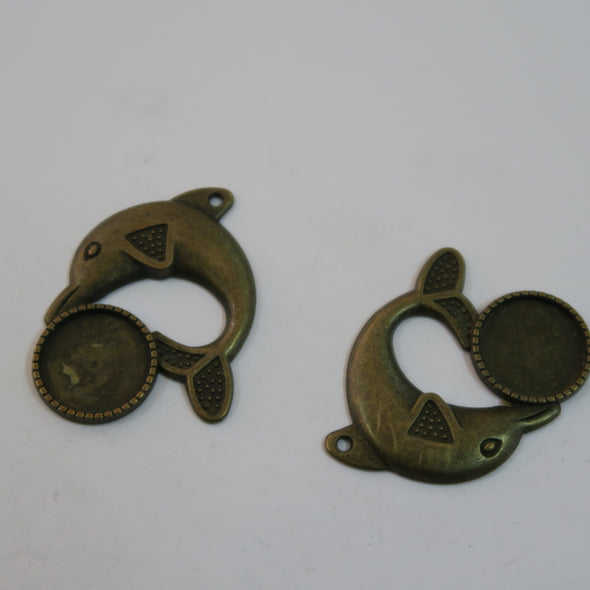 10 Pcs Antique Brass dolphin jewelry supplies jewelry finding D-3-202