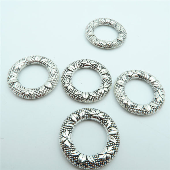10 Pcs Antique Silver small  Round Flowers pendant  jewelry supplies jewelry finding D-3-35