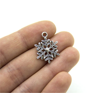 20 units antique sliver snowflake finding jewelry finding suppliers D-3-244