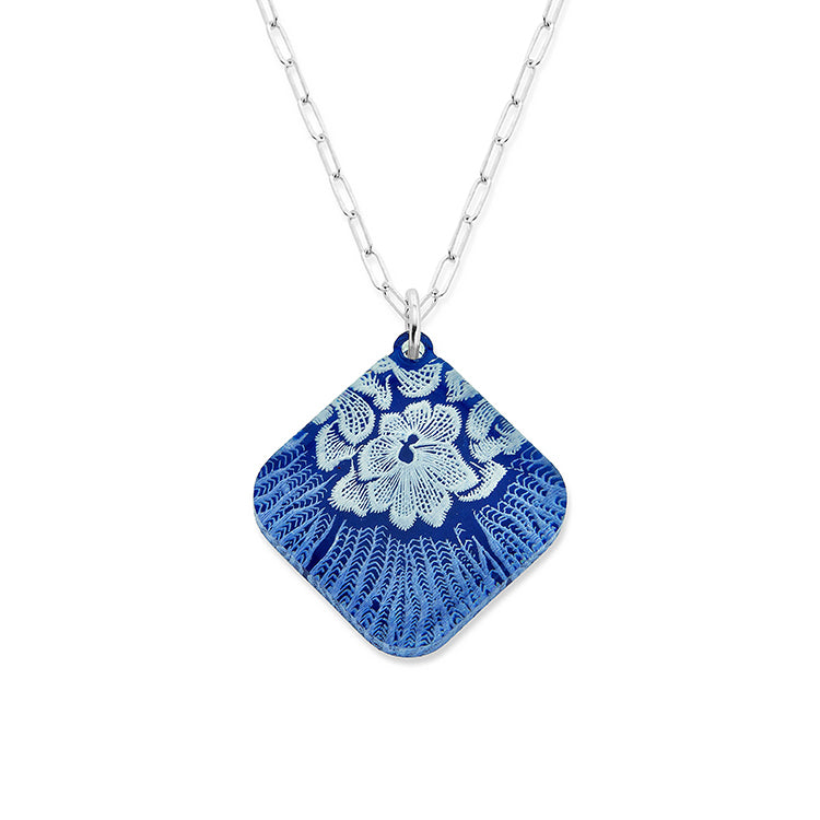 Flower Mollusk Shell Necklace - Large Diamond