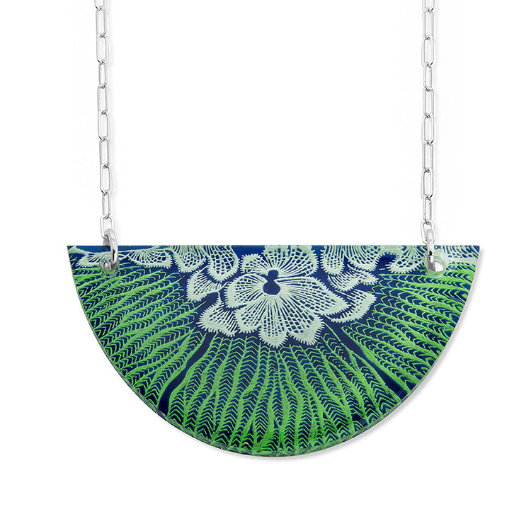 Flower Mollusk Shell Necklace -Small Half-Moon