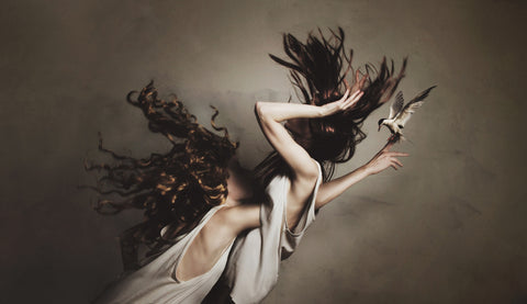 "Flora Borsi ""EXTRACTION"""
