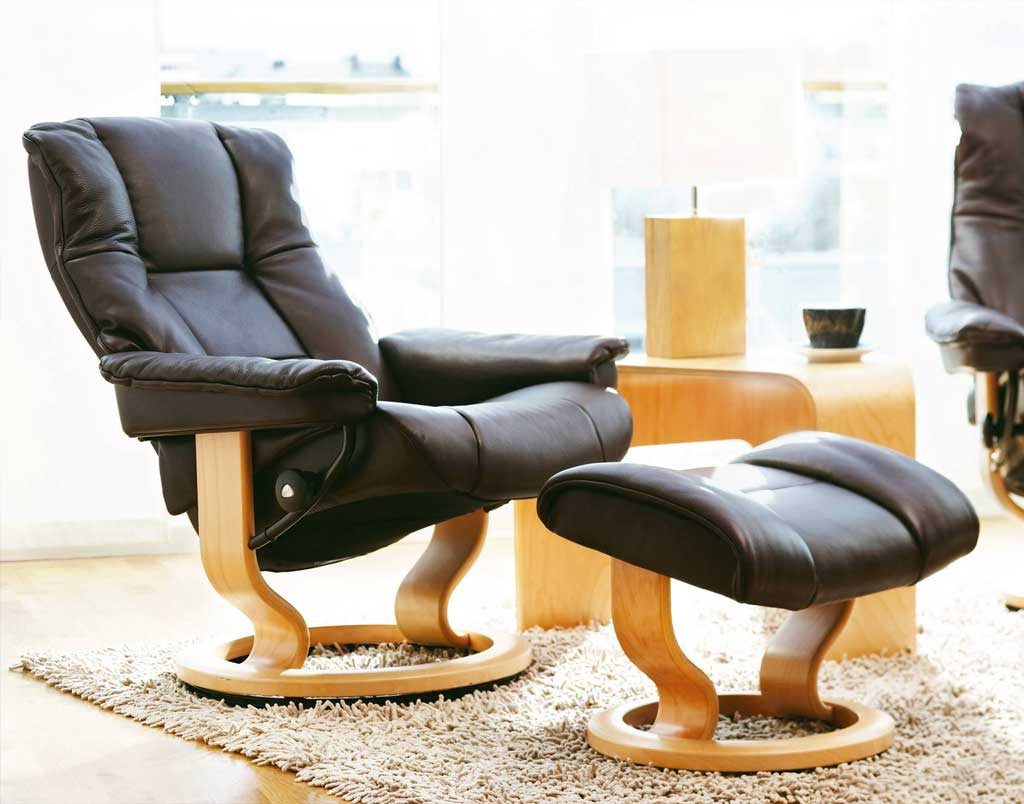 Pleasant Stressless Mayfair Recliner Chair With Footstool S Classic Base Pdpeps Interior Chair Design Pdpepsorg