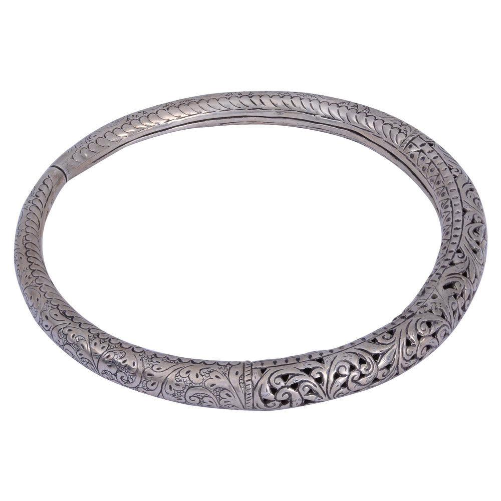 Sterling Silver Neckring Leaves Pattern
