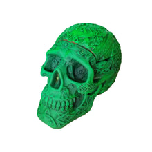 Load image into Gallery viewer, Skull ashtray UV Glow