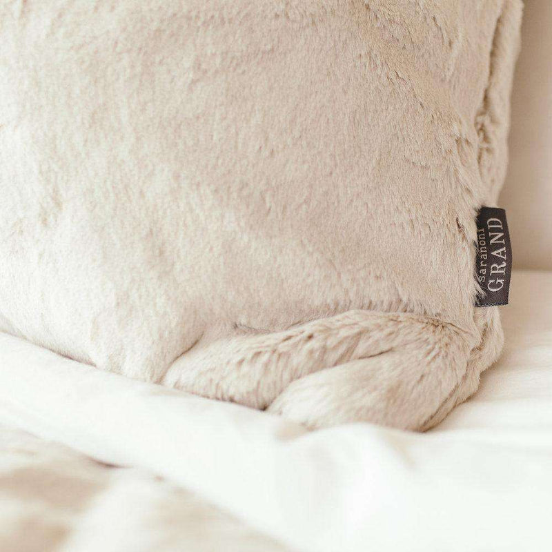 Saranoni Grand Line | Fawn Grand Faux Fur Blanket *ships in a week*
