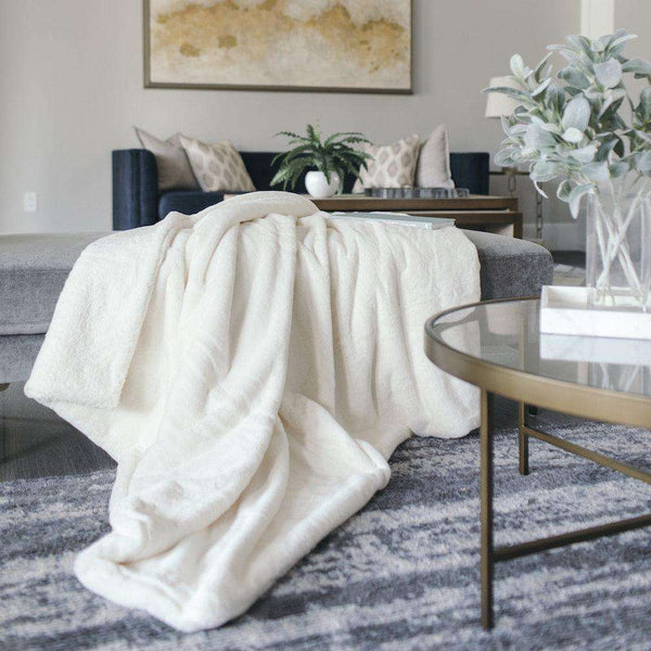 Saranoni Grand Line | Arctic Hare Grand Faux Fur Blanket