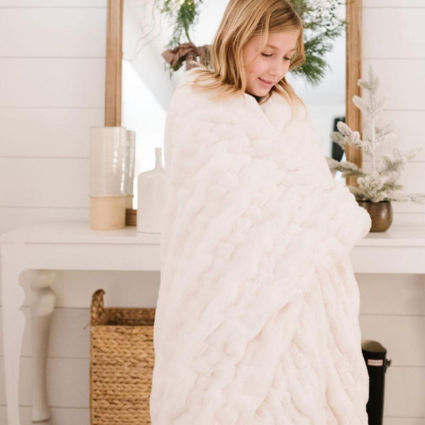 Saranoni Luxury Blanket | Snow Ruched Minky