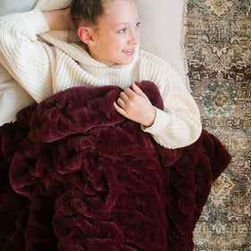Saranoni Luxury Blanket | Cranberry Ruched Minky