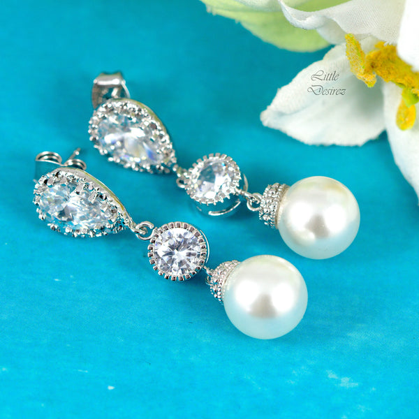 White Pearl Earrings Swarovski Pearls P44