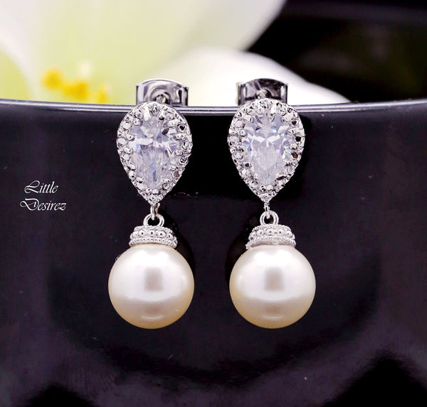 Bridesmaid Pearl Earrings P44