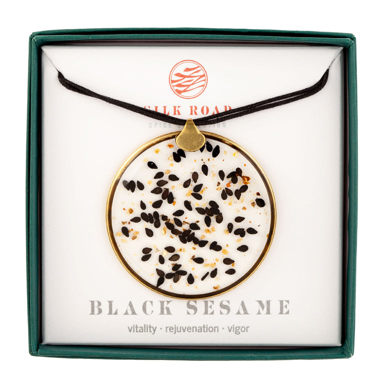 Black Sesame | Grand Hoop Necklace