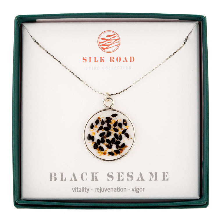 Black Sesame | Simple Circle Necklace