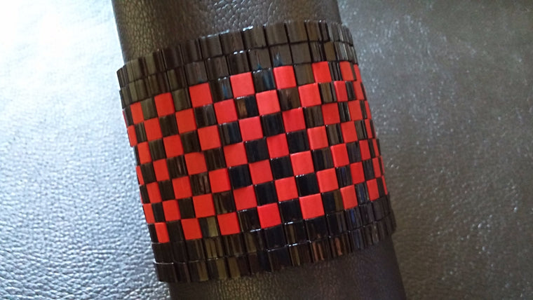ULTRA WIDE CHEQUERED CUFF