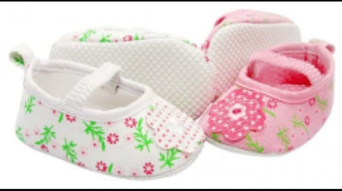Infants Soft sole Shoes with Bows- White Flowers