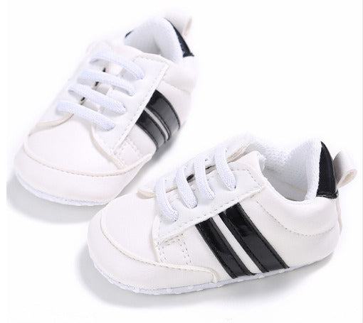 520b3b01e Infants Anti-slip Soft sole Sneakers - White with Black Edge