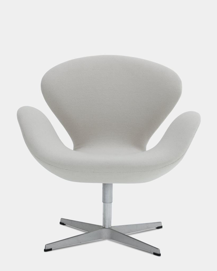 "Arne Jacobsen ""Swan"" chair"