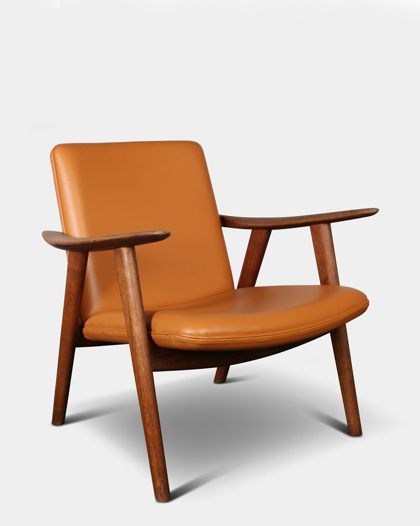 The pair of ´Bukkestole´ chairs by Hans J. Wegner