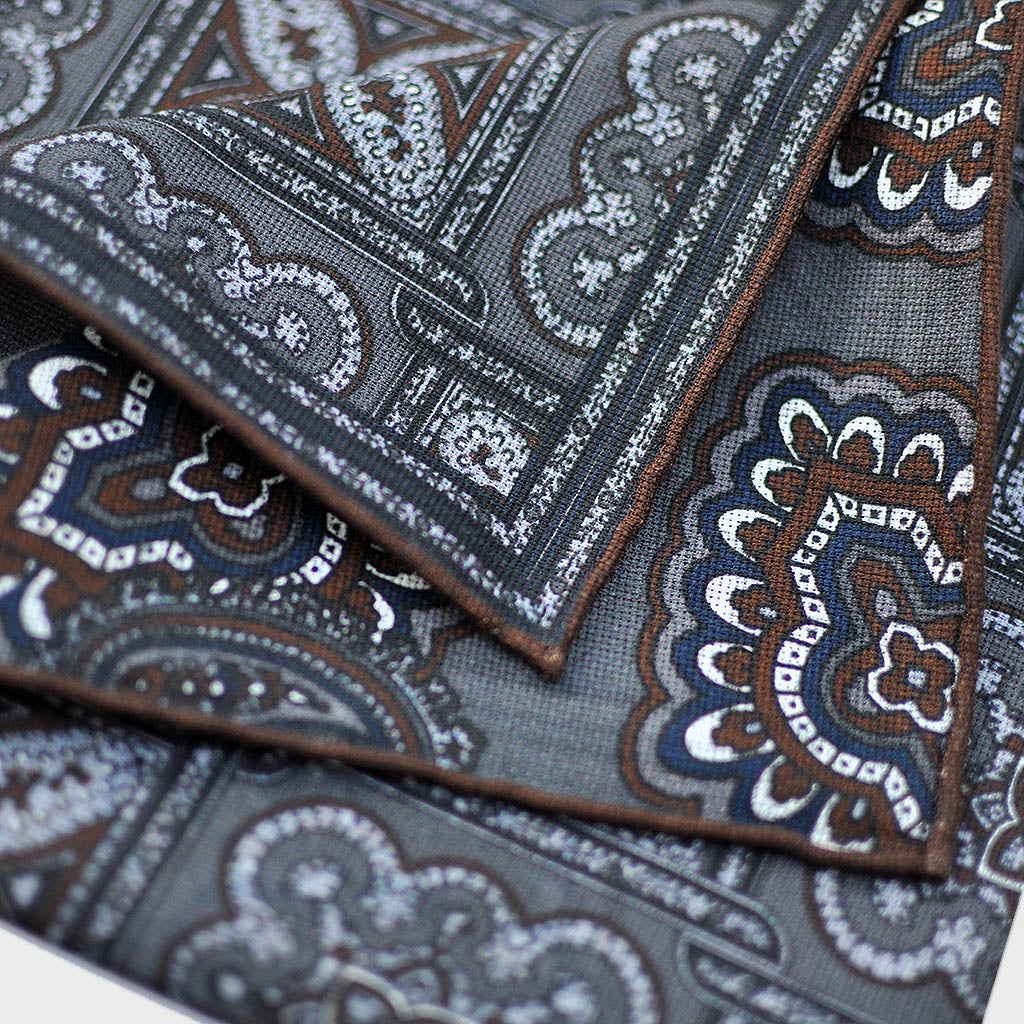Reversible Florets Silk Pocket Square in Grey & Brown