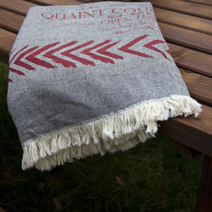Country Cottage Throw
