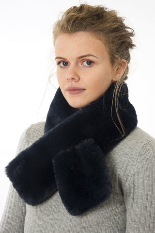 Tuck Through Faux Fur Scarf - Navy