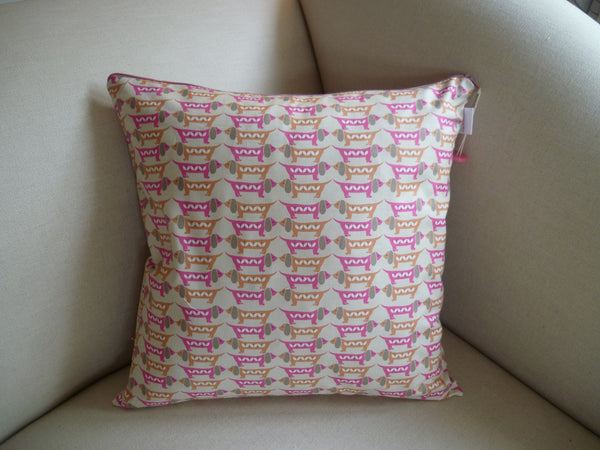 Sausage dogs Cushion, Pink And Cream