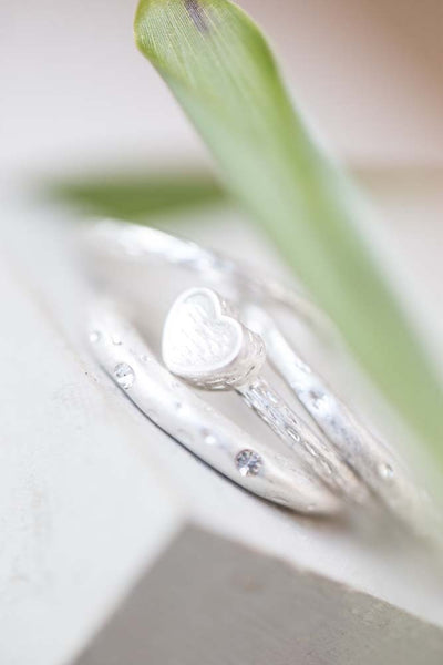 Silver Set Of 4 Rings With Heart and Crystals