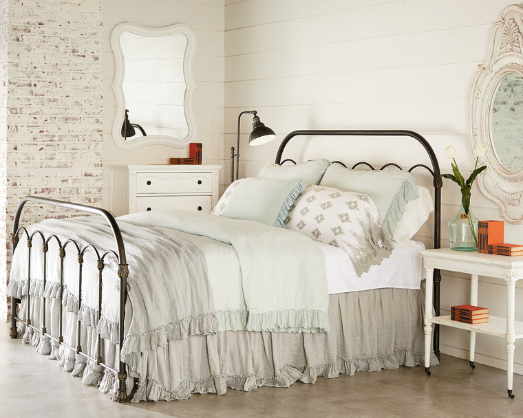 Magnolia Home Primitive Colonnade Bed
