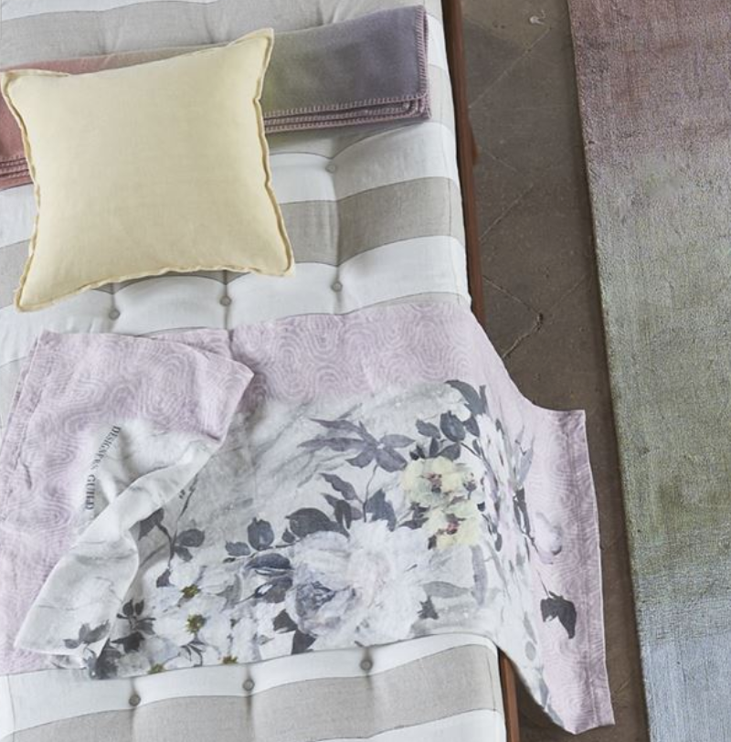 Carrara Fiore Grande Cameo Throw - Revibe Designs
