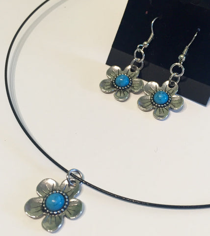 Turquoise Flower Power Memory Wire Necklace Coated- 18""