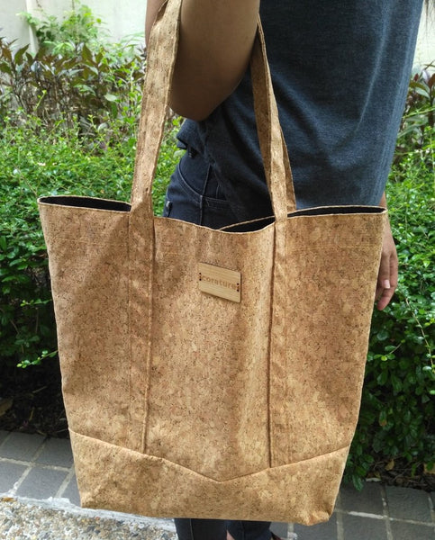 Cork Totebag with Rear Pocket and Bamboo Logo