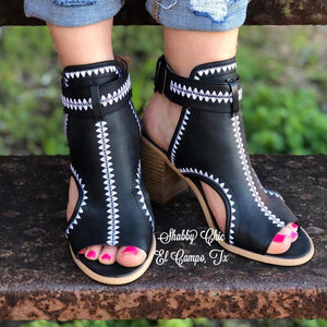 Odette Wedge-Black Shabby Chic Boutique and Tanning Salon