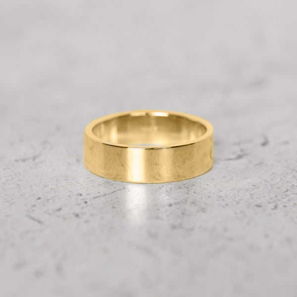 Classic Flat Band in 14k Gold - 6mm