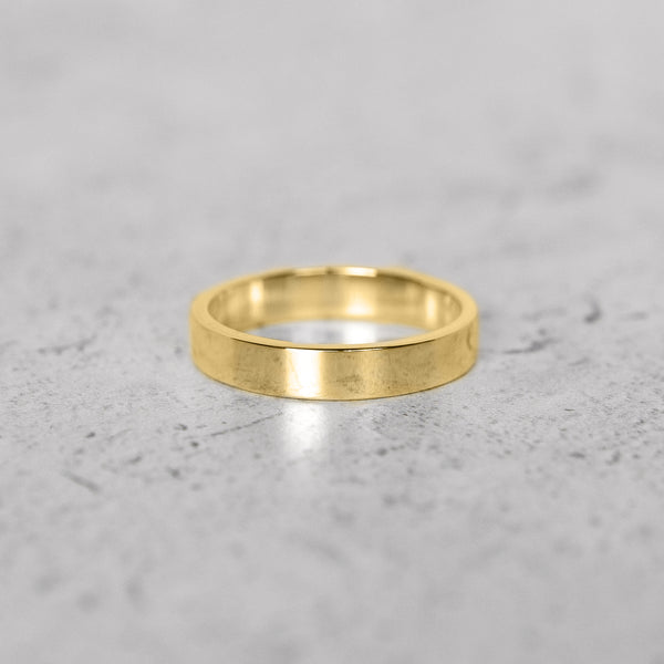 Classic Flat Band in 14k Gold - 4mm