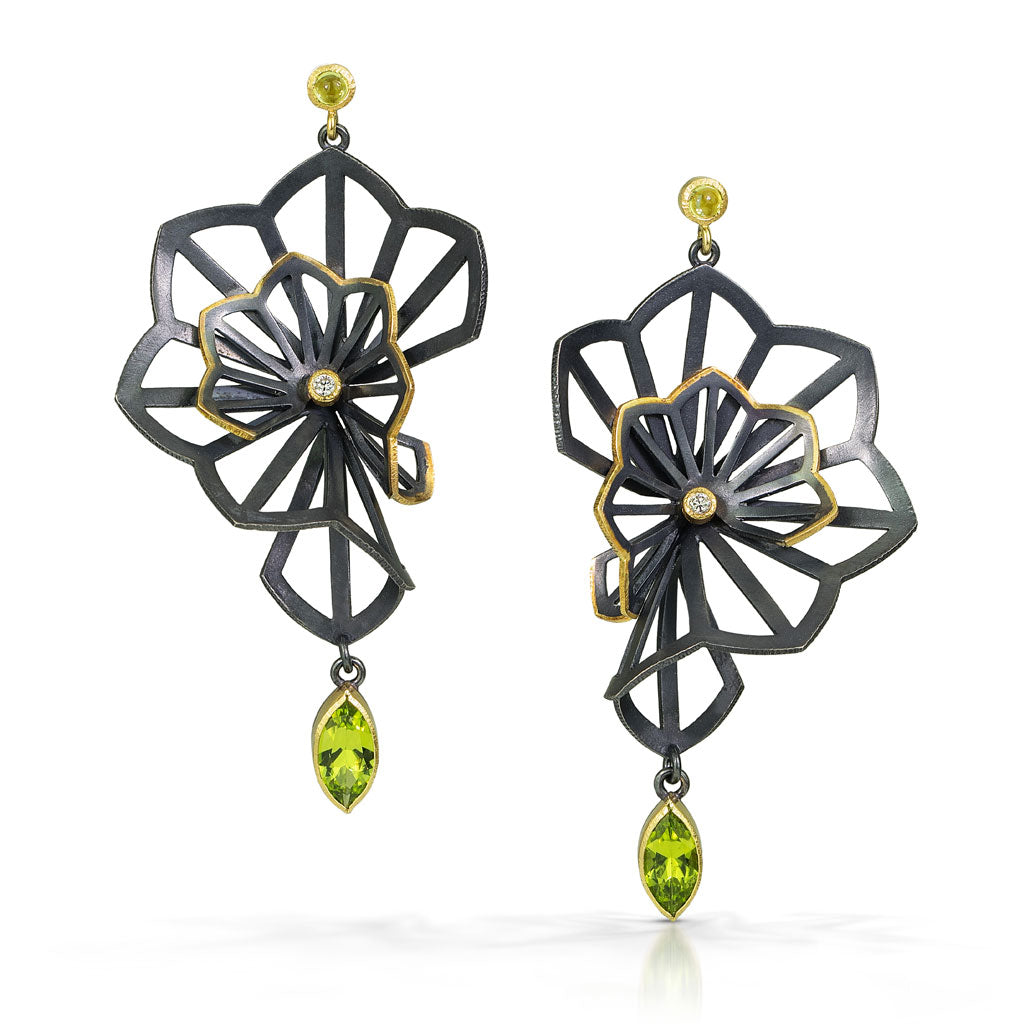 origami earrings in sterling silver and 18k yellow gold with arizona peridots