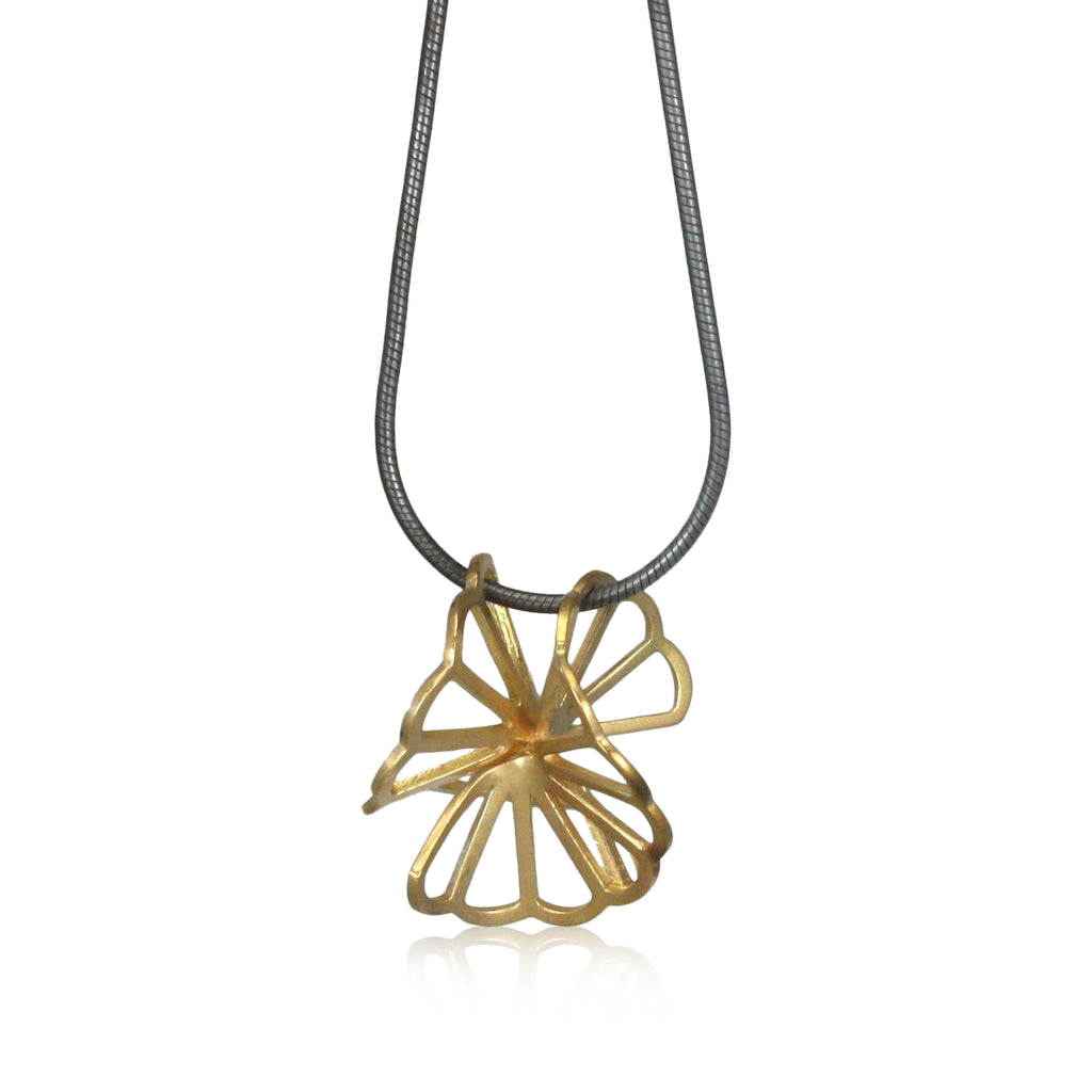 18k yellow gold double chrysanthemum pendant on snake chain