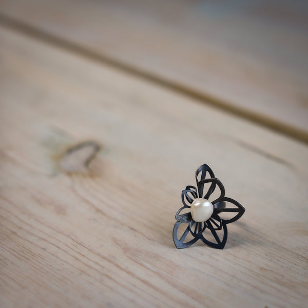 anise origami ring with pearl