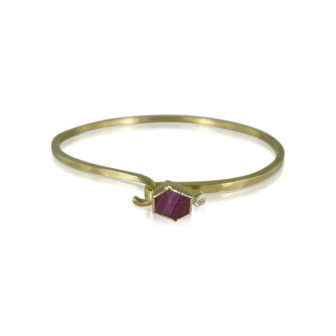 18k yellow gold hook bracelet with hexagon shaped ruby and diamond