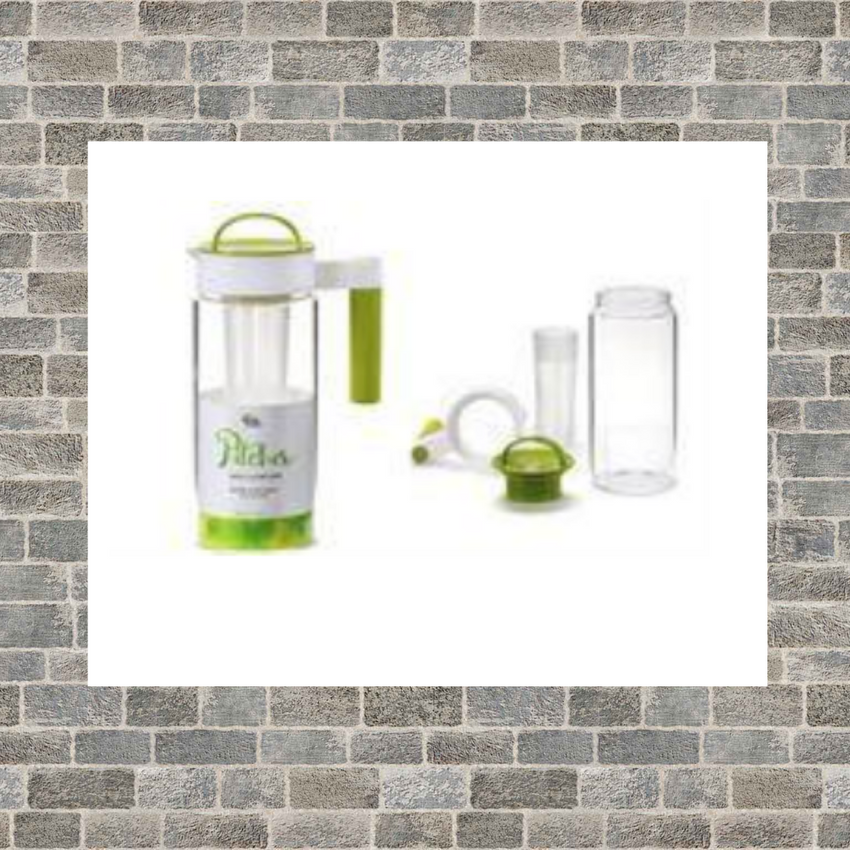 2 Liter Glass Ice Tea Pitcher with Loose Tea Infuser
