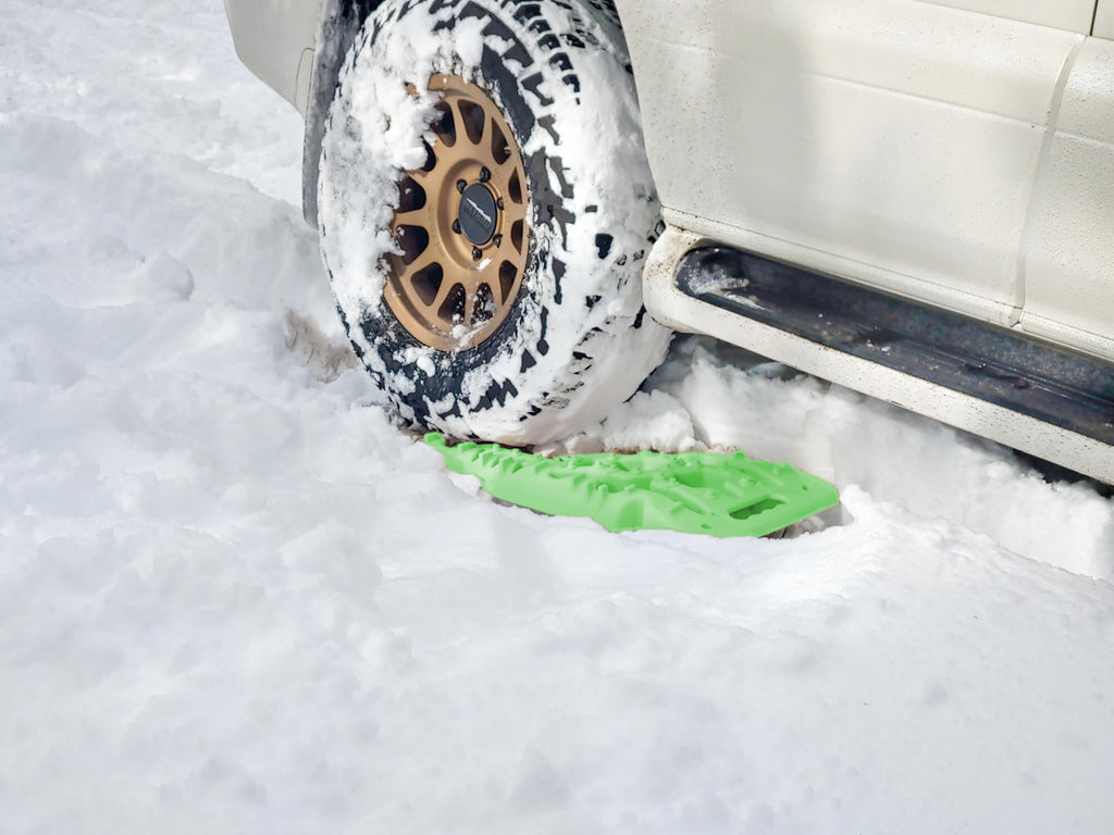 Off-road traction board mat