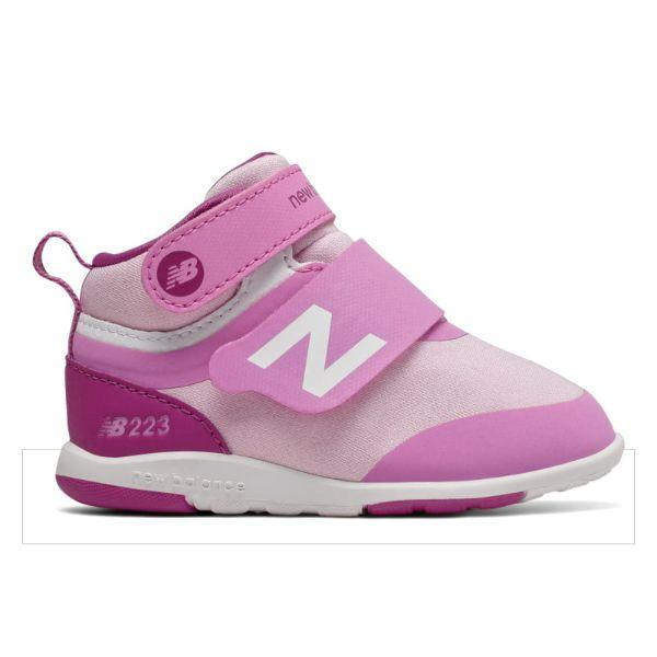 Girls Running Shoes - New Balance Girl's Q319 Athletic Shoe / Toddler