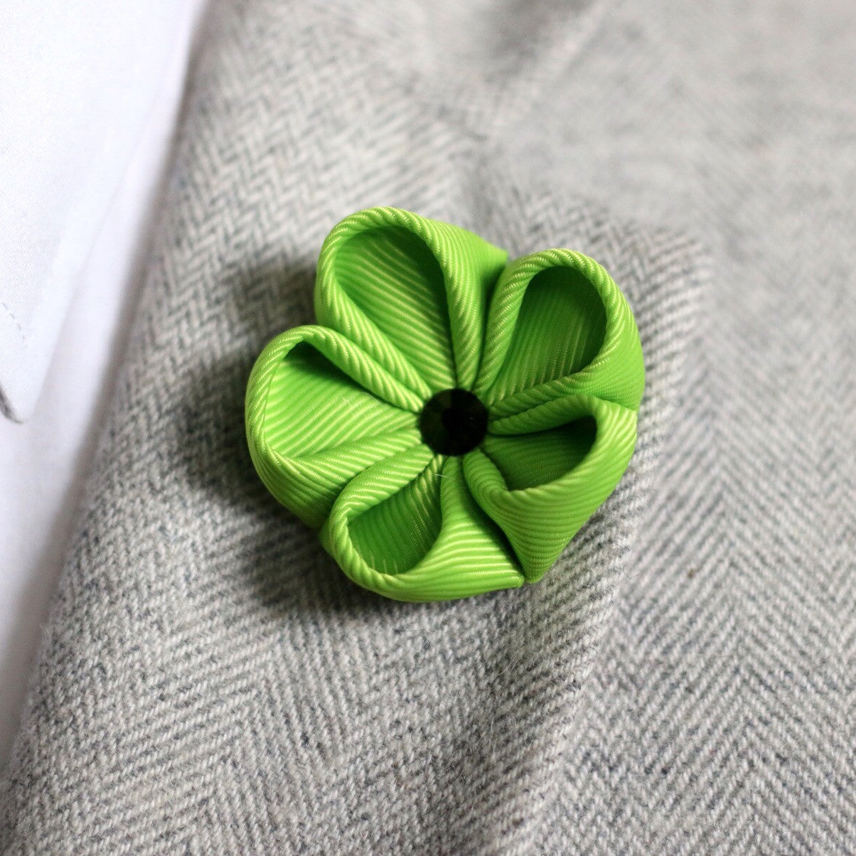 Jasmine Green Silk Ribbon Lapel Flower