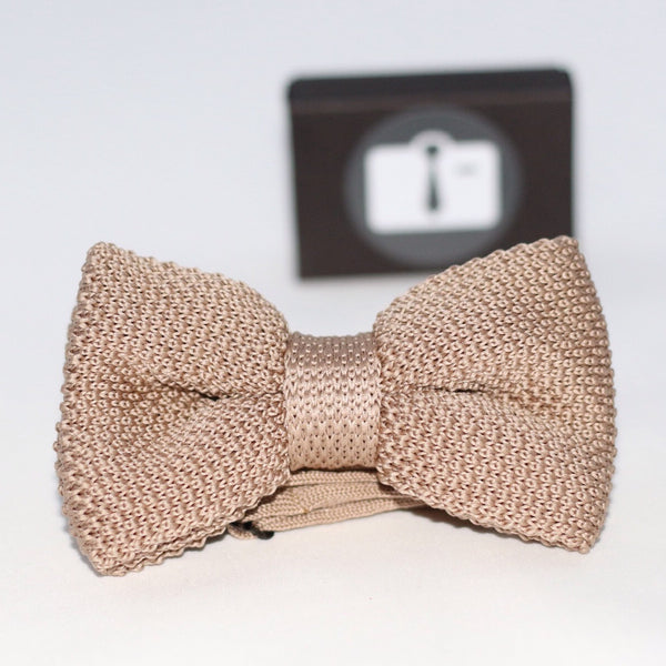 Oatmeal Knitted Bow Tie