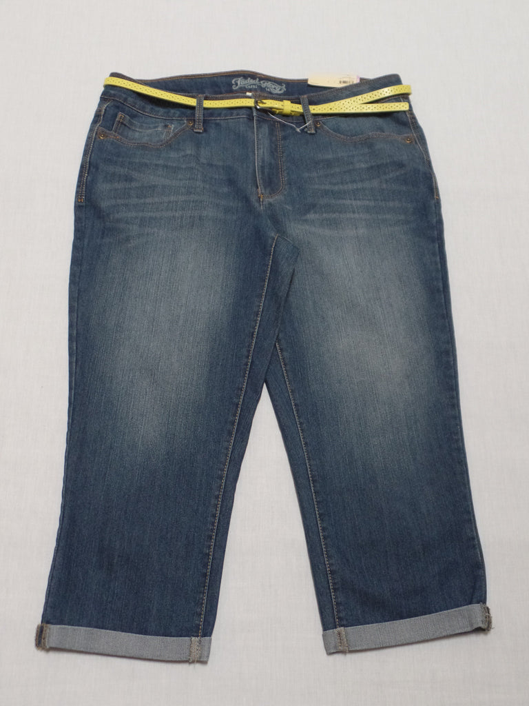 FG Capri with Yellow Belt - 68% Cotton, 30% Polyester, 2% Spandex: Size 14