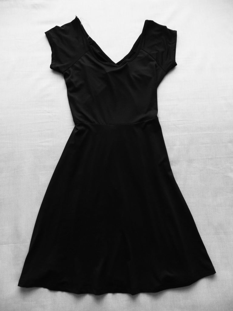 Rue 21 Black S/S Skater Back Dress - 95% Polyester, 5% Spandex: Size XS, M