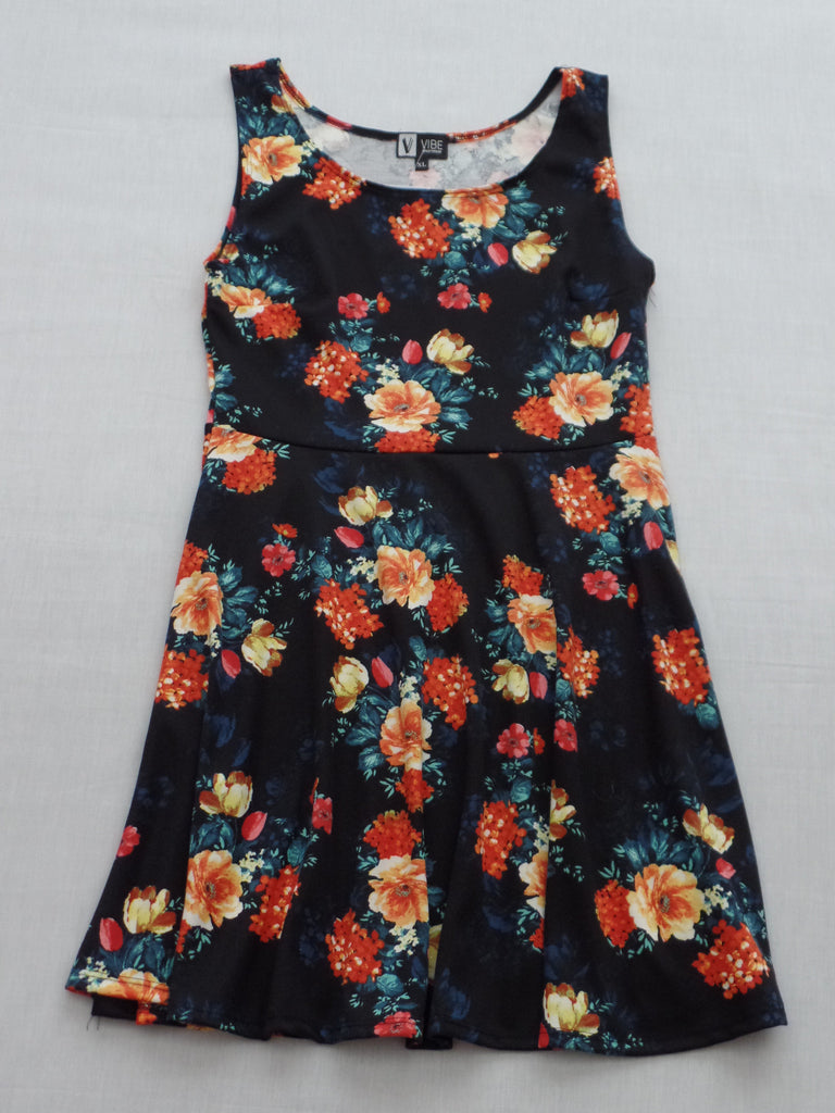 Vibe Junior S/L Floral Design Dress - 95% Polyester, 5% Spandex: Size XL