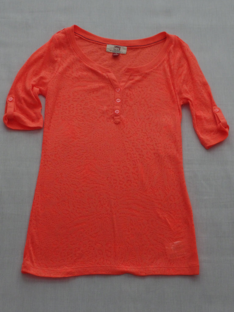 Juniors L.E.I. Top - 53% Cotton, 47% Polyester: Sizes S, M, L