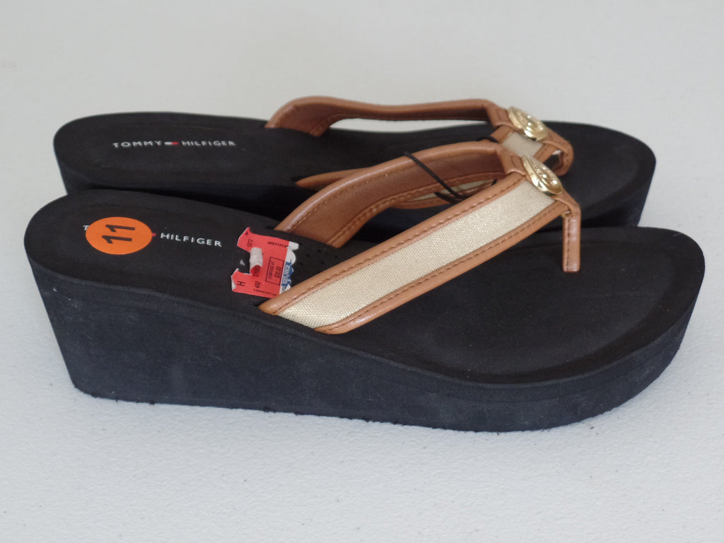 c4256cb3c282 Ladies Tommy Hilfiger Wedge Flip Flop Thong Heels Sandals - Size 11 ...