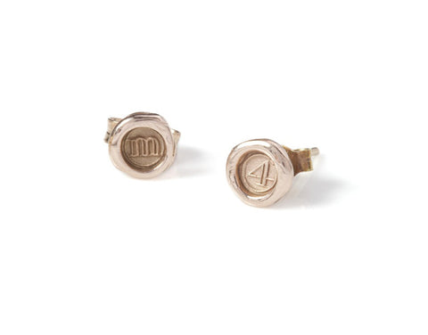 Petites Personalised (a-z/0-9) Wax Seal Studs (pair)